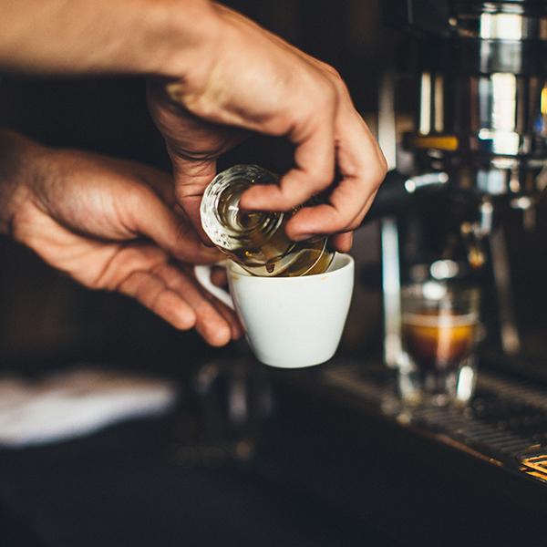 Kinh doanh cà phê bằng tình yêu đích thực